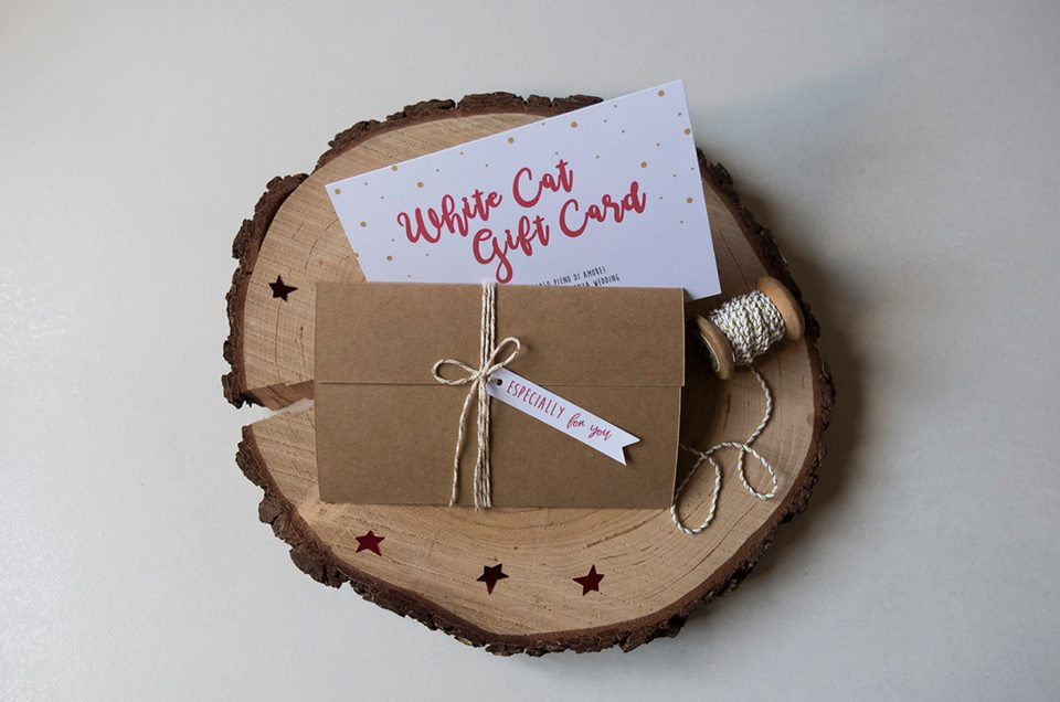 White Cat Christmas Gift Card